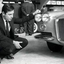 RO01. ROMA (ITALIA), 03/07/2012.- Imagen cedida por Pininfarina del año 1956 del ingeniero Sergio Pininfarina. Pininfarina, que diseñó algunos de los modelos más emblemáticos de la escudería italiana Ferrari, murió esta noche en su localidad natal, Turín, norte de Italia, a la edad de 86 años, confirmó hoy la empresa familiar. EFE/- SOLO USO EDITORIAL - NO VENTAS